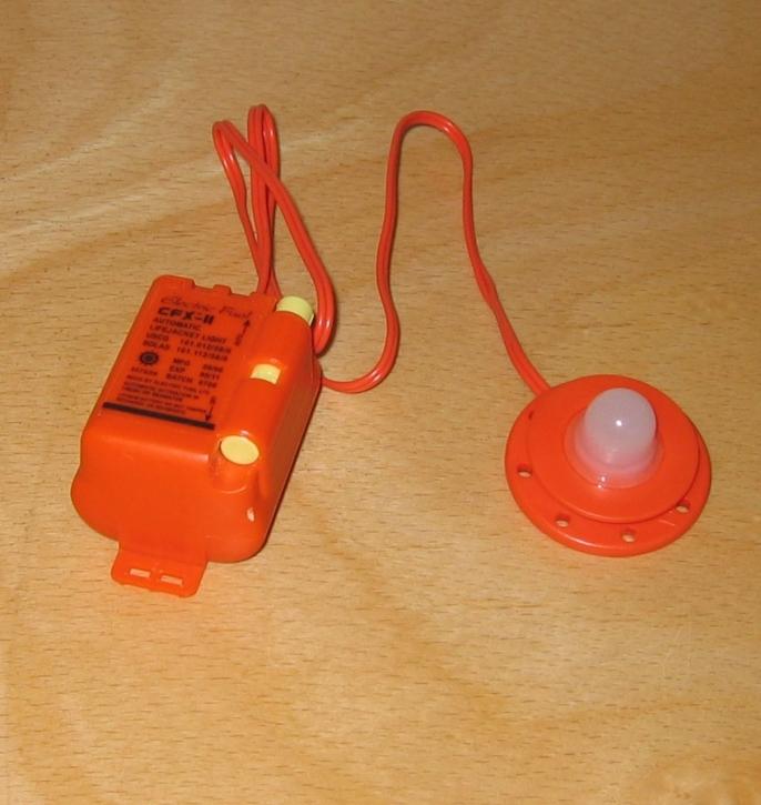 Kadematic LED Rettungswestenlicht mit Halterung , SOLAS zugelassen